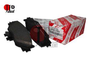 japan-lent-lexus-is-front-04465-53040
